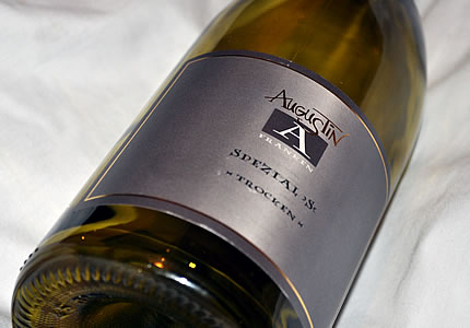 Weingut Augustin Silvaner Spezial />S< trocken