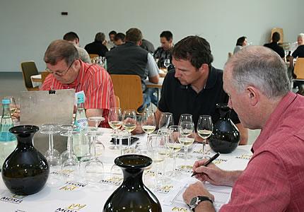 Gewinner der Jahresauswahlprobe Mosel 2011: 400 Weine im Test