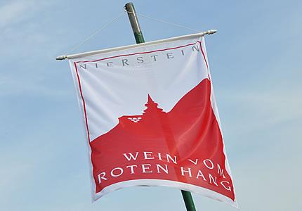 Weinpräsentation im Roten Hang bei Nierstein